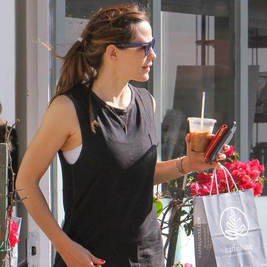 Jennifer Garner Getting Coffee in LA March 2016
