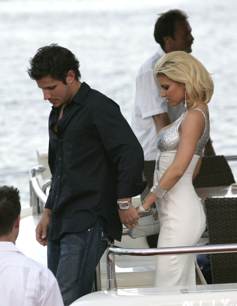 During August 2004, Jessica Simpson and Nick Lachey arrived for the MTV Video Music Awards by boat.