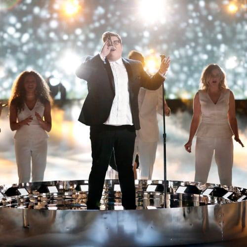 "Jordan Smith Sings ""Climb Every Mountain"" on The Voice"