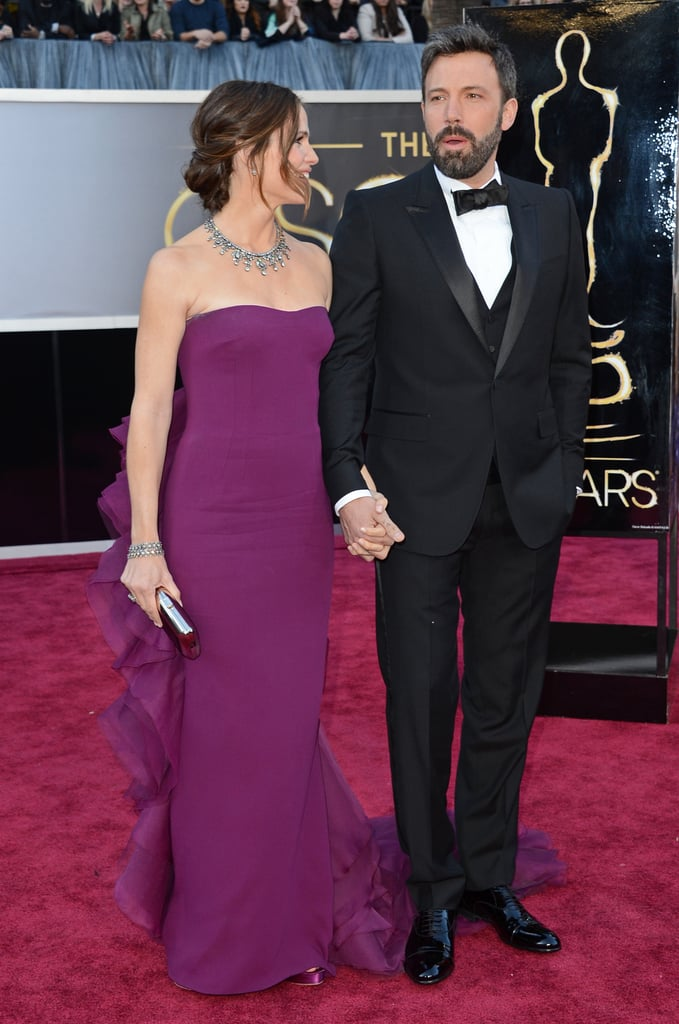 Ben Affleck and Jennifer Garner held hands on the Oscars red carpet.