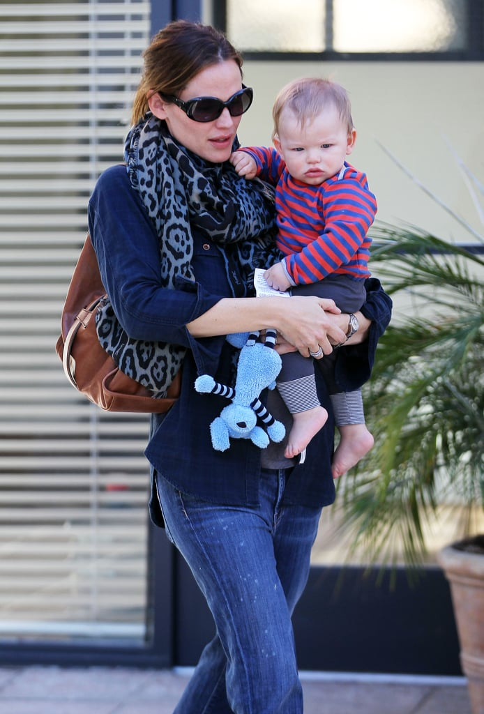 Jennifer Garner carried her son, Samuel, in LA.