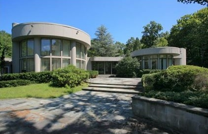 Whitney Houston Lists Her Round House