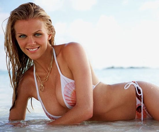pictures of brooklyn decker and jennifer aniston in