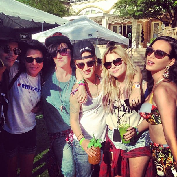 Do we spy Katy Perry in a floral-print crop top and shorts?  Source: Instagram user itsashbenzo
