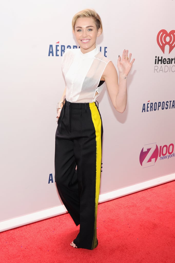 Miley Cyrus walked the red carpet before taking the stage.