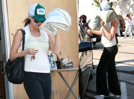 Jessica Alba Plays Peek-a-boo
