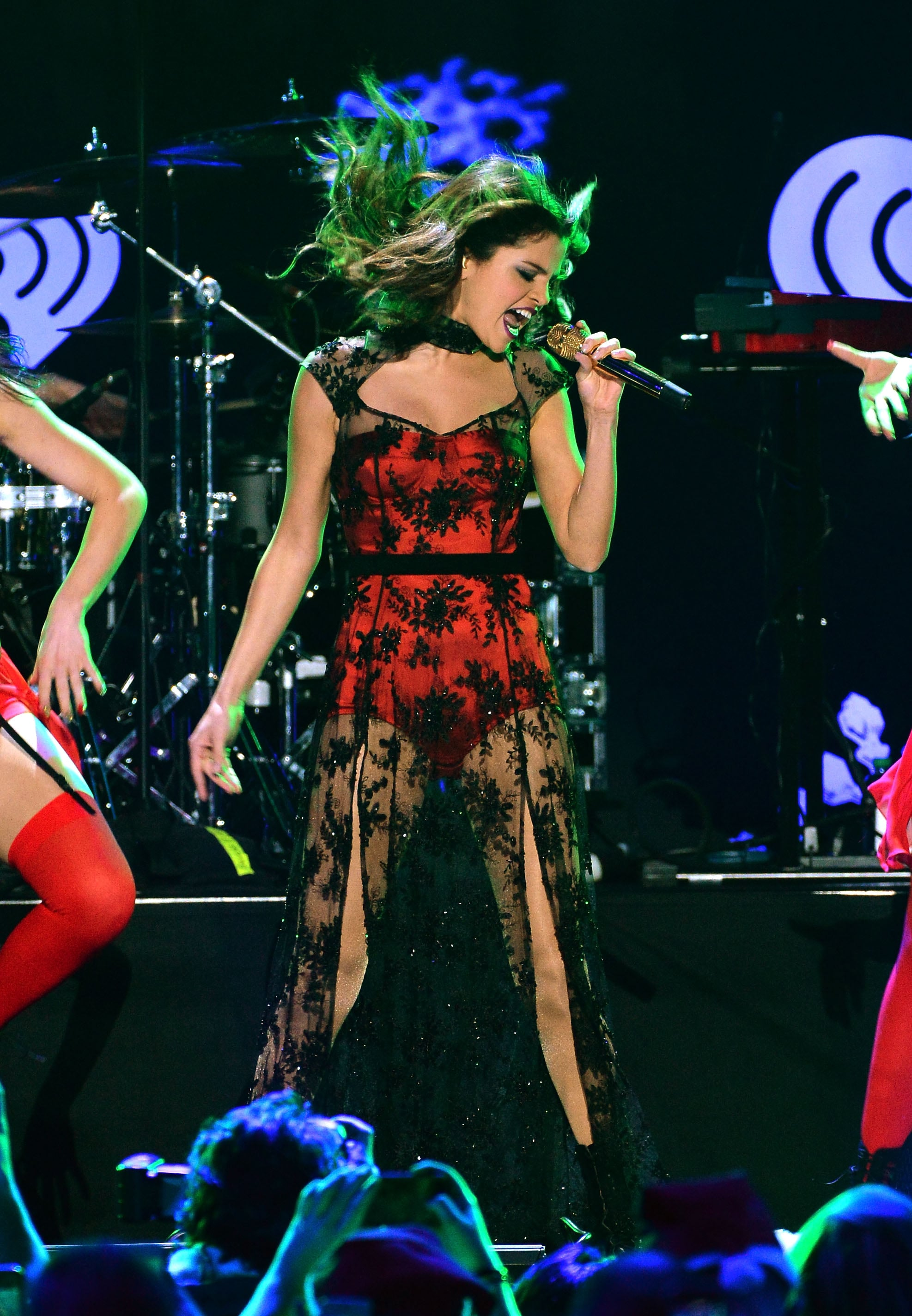 Selena Gomez sang her heart out onstage.
