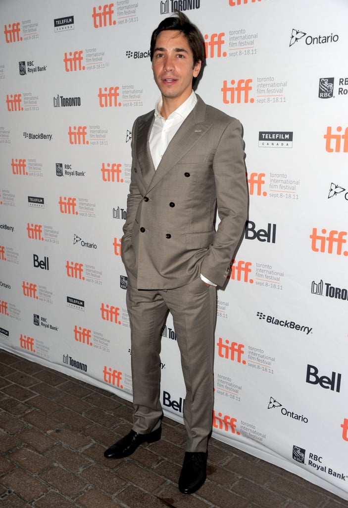 Justin Long chose a double-breasted suit for the debut.