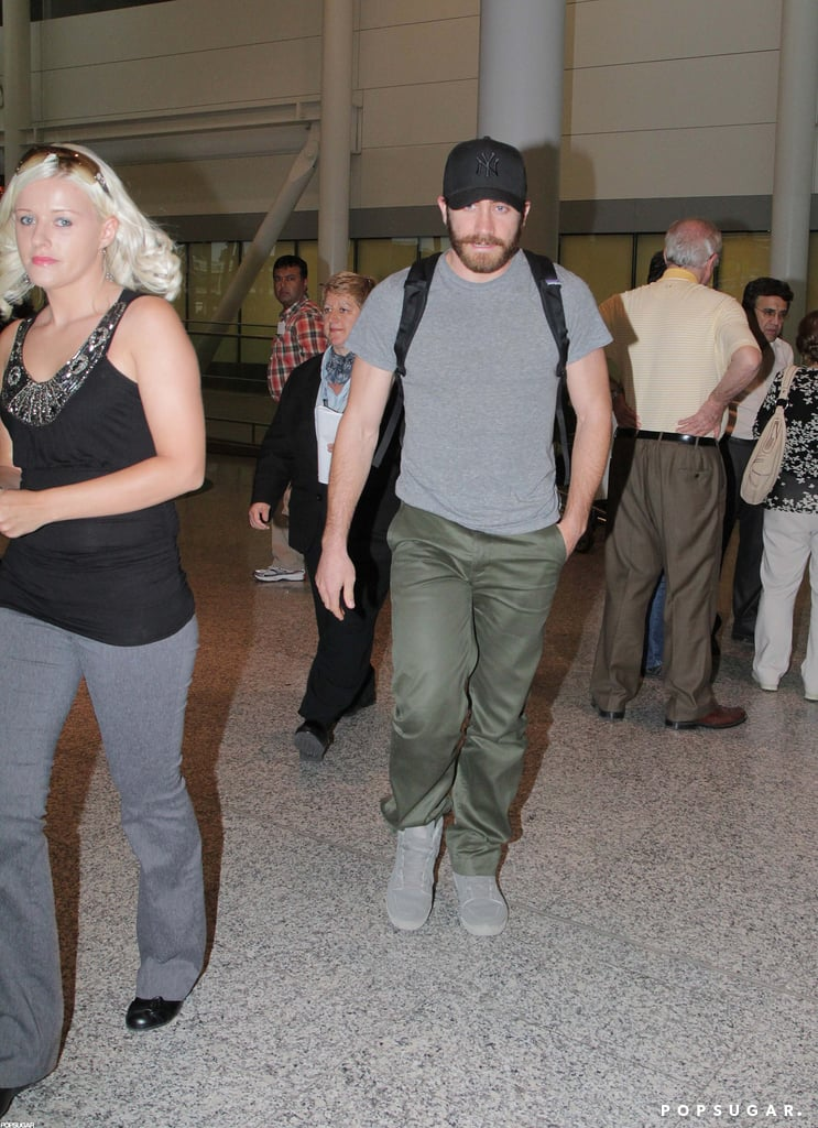 Jake Gyllenhaal sported a backpack while walking through the Toronto airport.