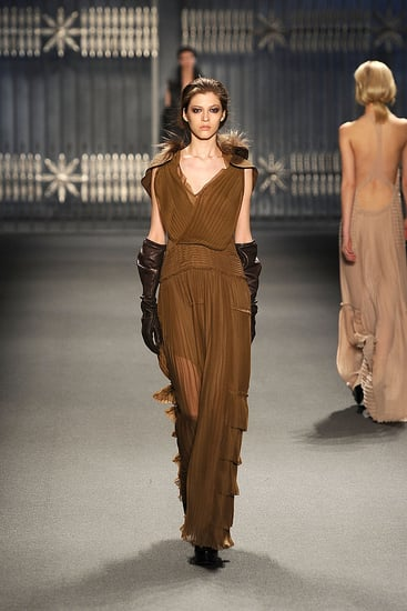 Fall 2011 New York Fashion Week: Vera Wang 2011-02-16 10:22:35