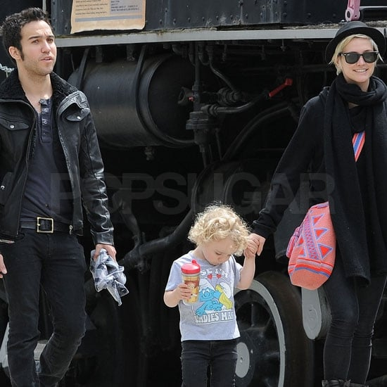 Ashlee Simpson Divorce Pictures With Pete Wentz and Bronx Wentz