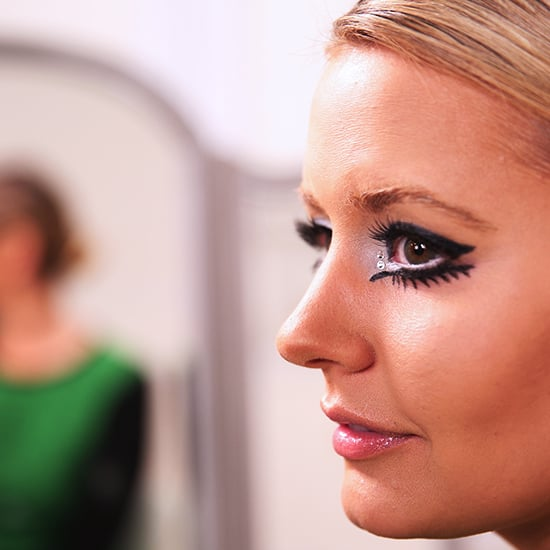 The New Way to Wear Twiggy's Mod Makeup!