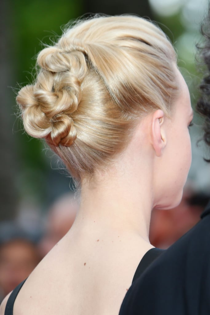 Carey Mulligan's cool, twisted up 'do at the premiere of Inside Llewyn Davis.