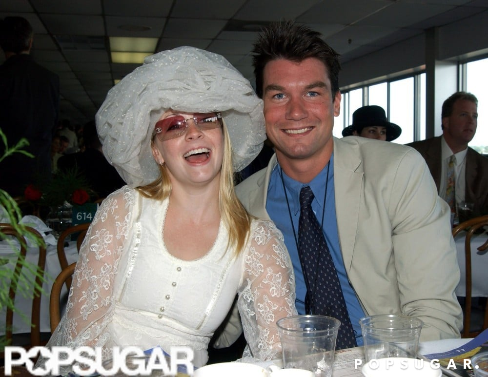 Melissa Joan Hart and Jerry O'Connell grabbed drinks inside in 2001.