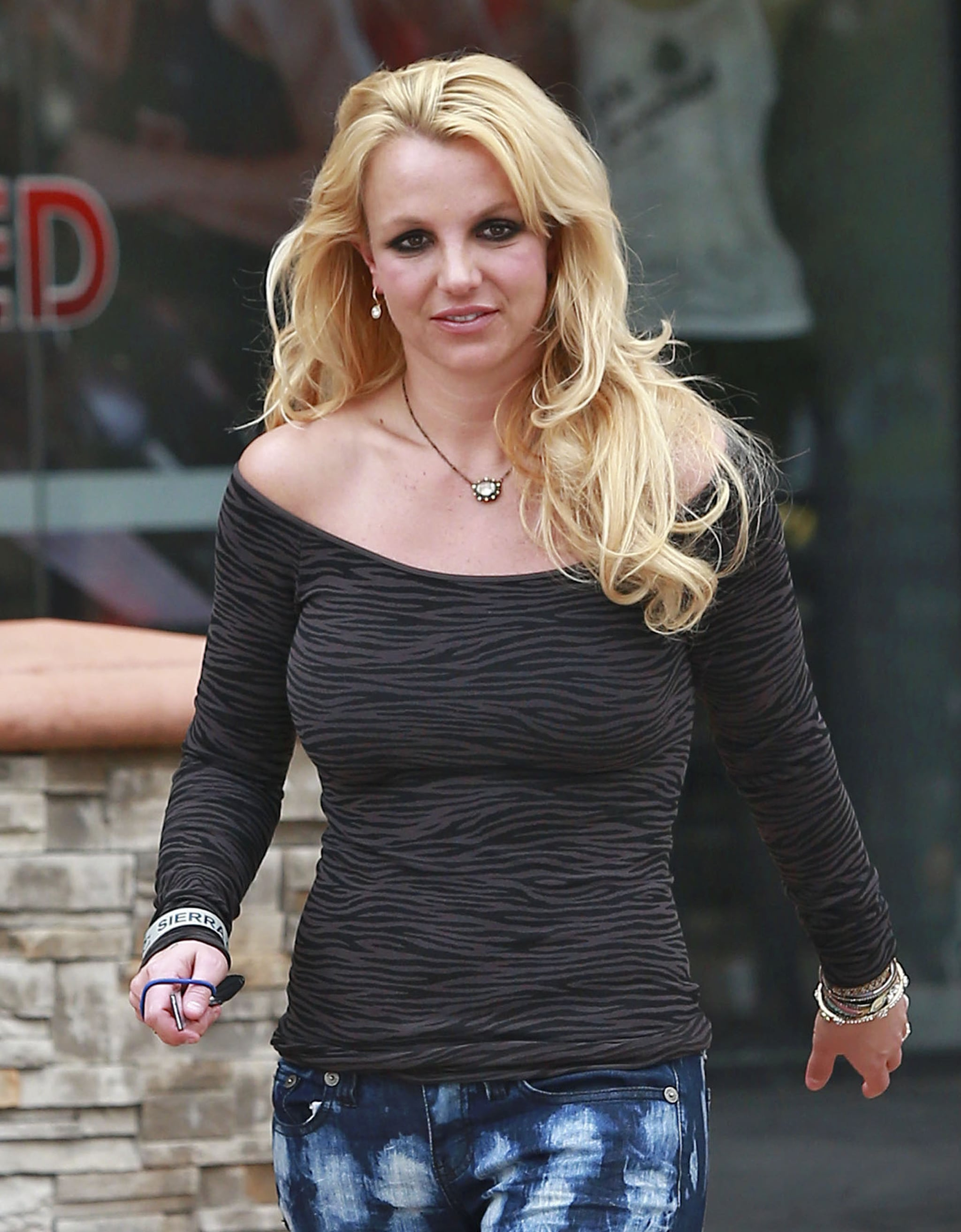 Britney Spears donned a necklace with her ensemble.