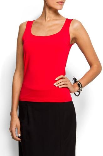 Elastic sleeveless top