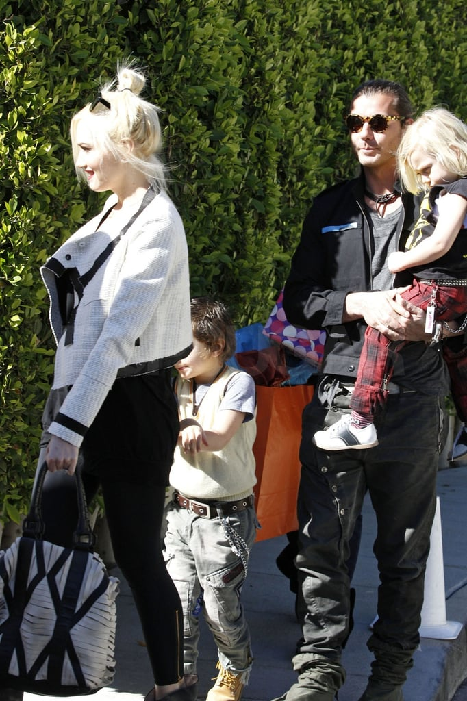 Gwen and Gavin brought the boys to a birthday party in LA.