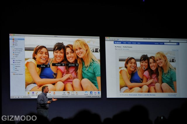 Built-In Support For Facebook and Flickr