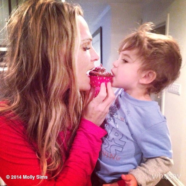 Molly Sims and Brooks Stuber shared a Valentine's Day cupcake. Source: Instagram user mollybsims
