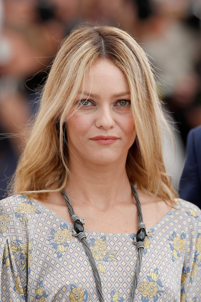 At the jurors' photocall, French actress Vanessa Paradis wore her hair and makeup natural.