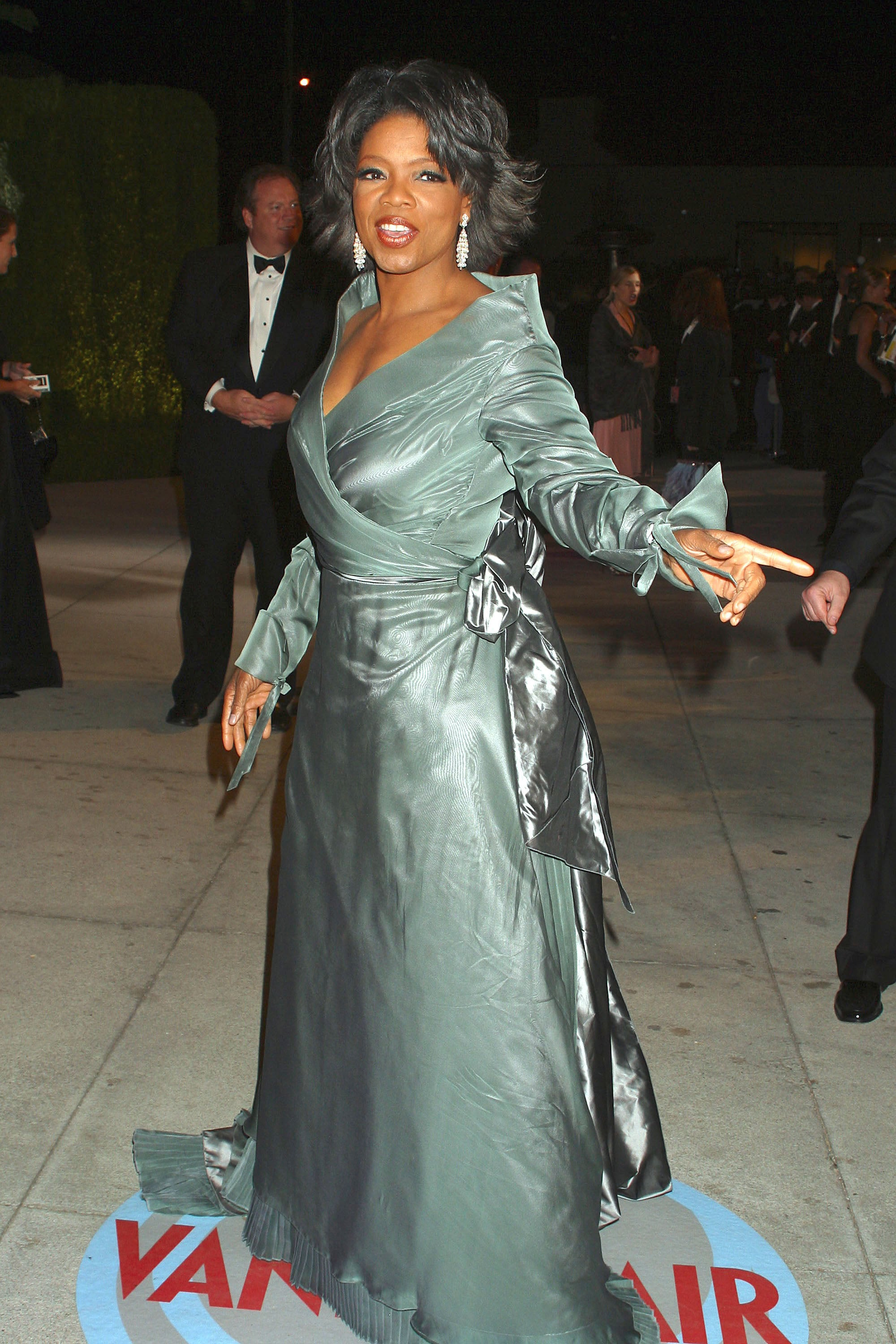 Oprah arrived at the 2004 Vanity Fair Oscar afterparty.