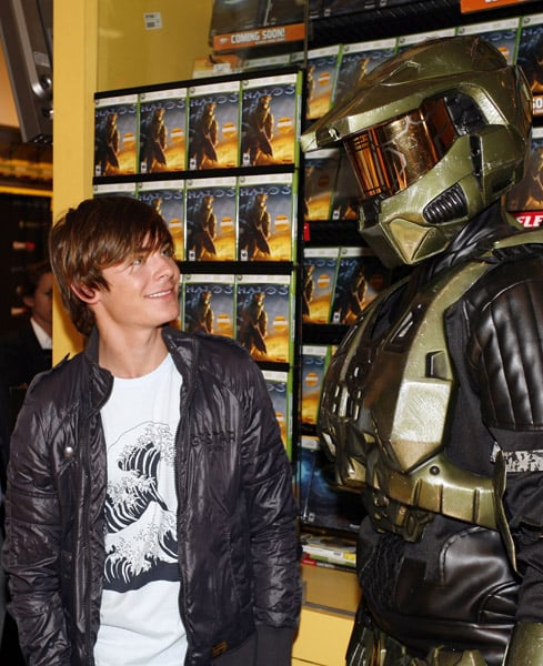 Adorable Geek Zac Efron At Halo 3 Launch
