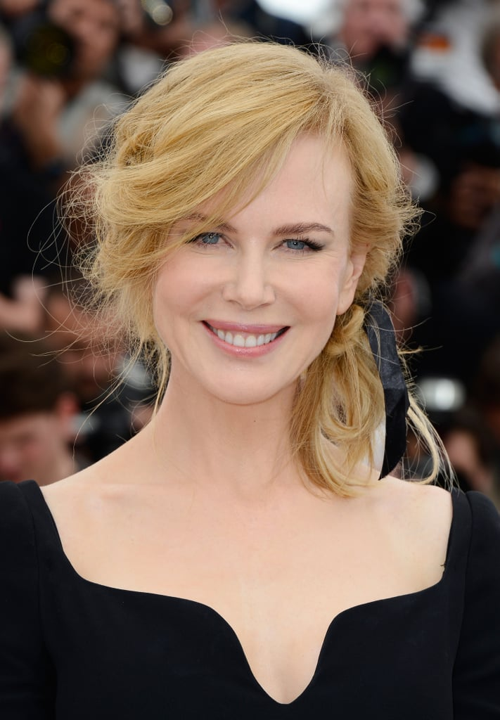 Nicole Kidman looked sweet with a black ribbon at the Jury photo call.