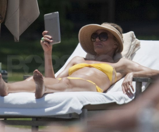 Photo Slide of Cameron Diaz Reading in Her Bikini While Vacationing in Hawaii