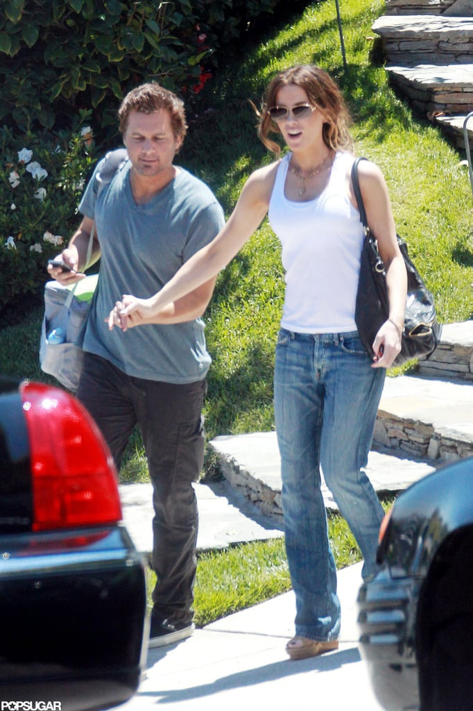 Kate Beckinsale and Len Wiseman held hands.