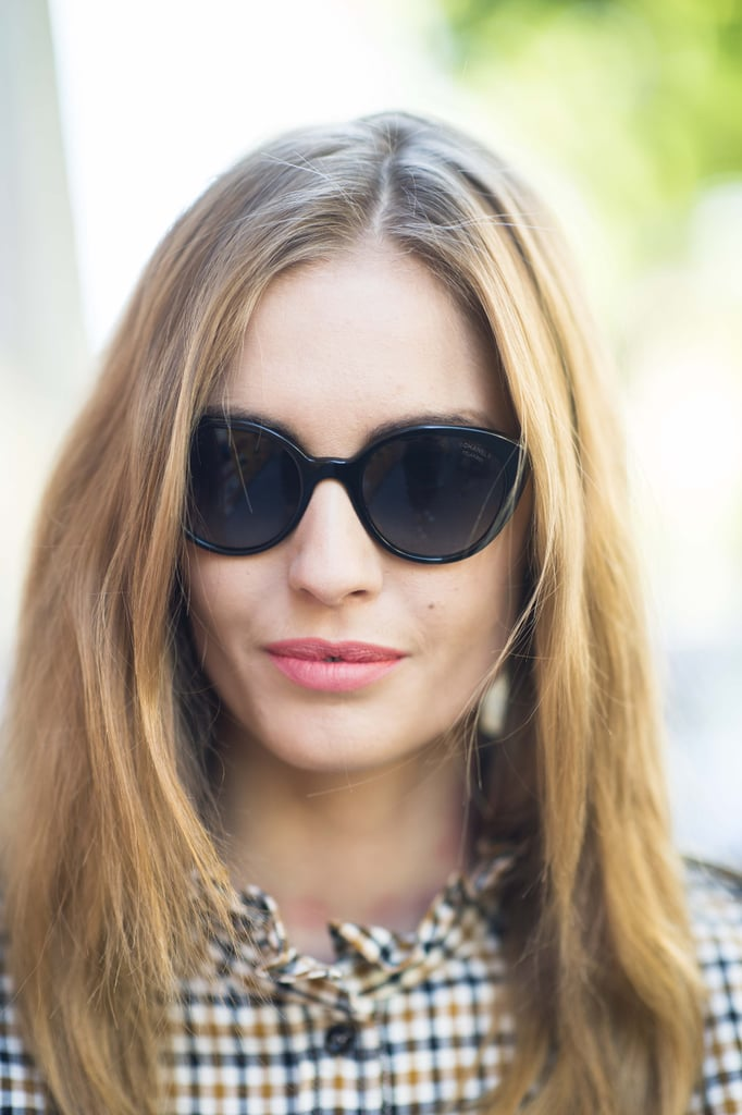 This woman's peachy pink lipstick is keeping things casual. Source: Le 21ème | Adam Katz Sinding