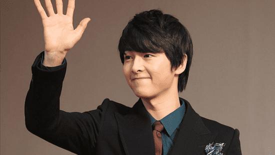 Song Joong Ki: 10 Hottest Photos of The 'Descendants of the Sun' Actor