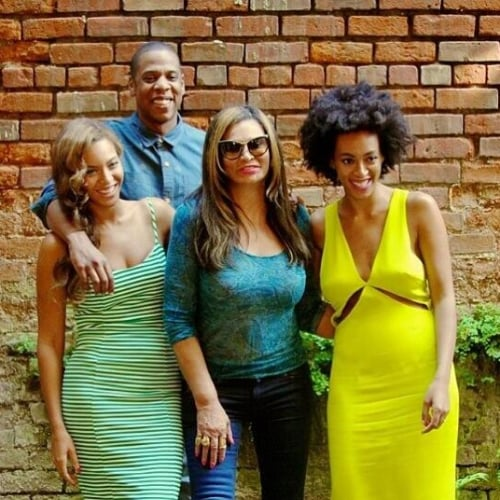 Beyonce Posts New Instagram Photo With Solange Knowles