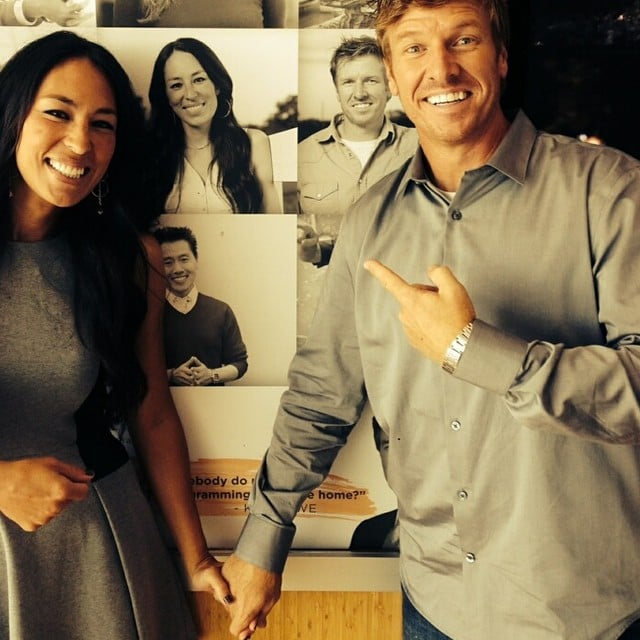 facts about fixer upper 39 s chip and joanna gaines. Black Bedroom Furniture Sets. Home Design Ideas