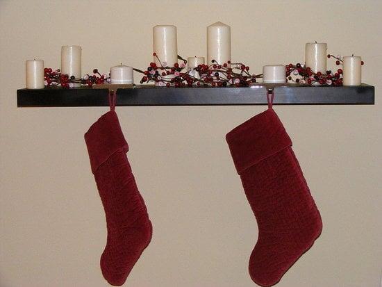 Su Casa: A Christmas Mantel Shelf