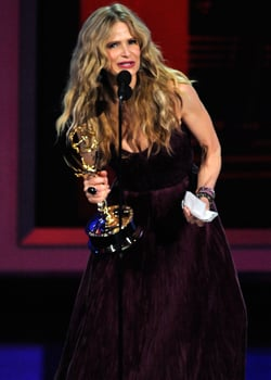 Kyra Sedgwick Wins Emmy For Outstanding Lead Actress in a Drama for The Closer 2010-08-29 18:39:17