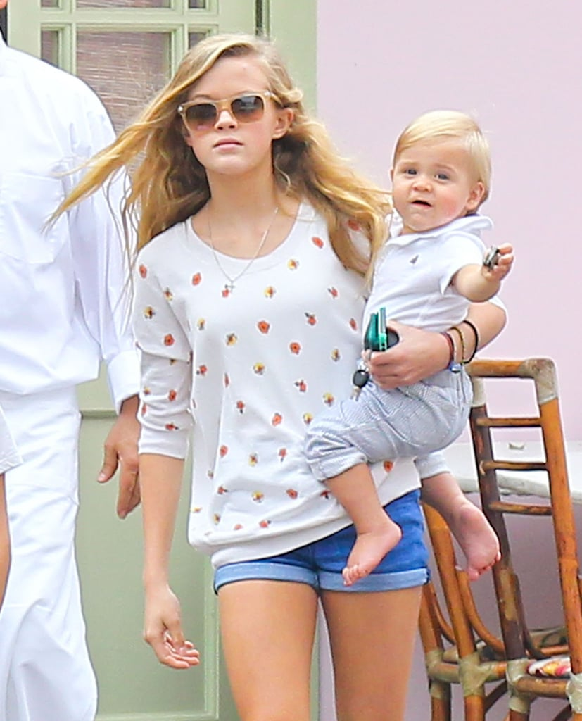Ava Phillippe held on to her brother, Tennessee Toth.