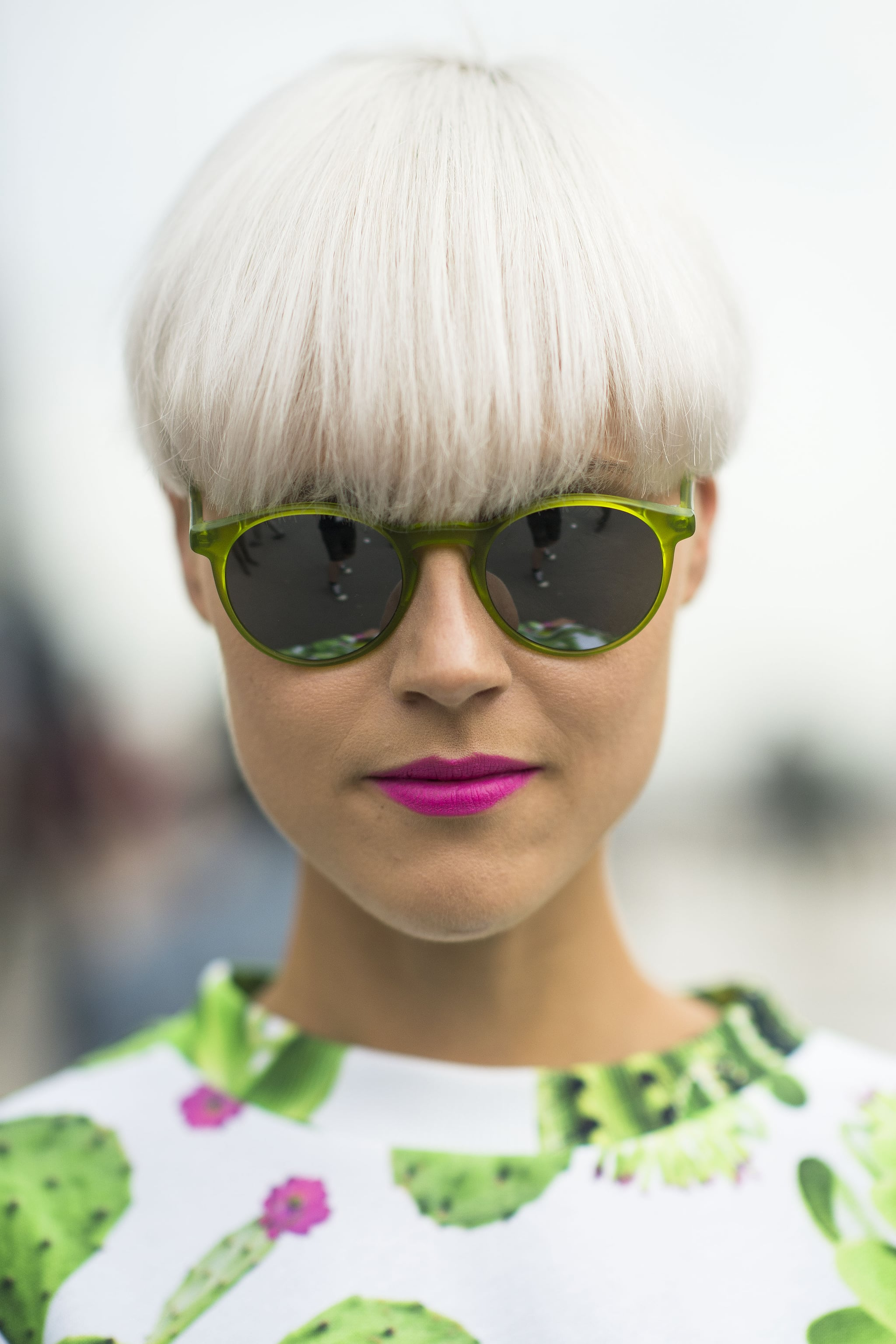 The best pairing for white hair? Bright pink lipstick, of course. Source: Le 21ème | Adam Katz Sinding