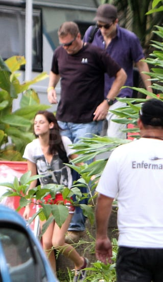 Pictures of Robert Pattinson and Kristen Stewart Filming Breaking Dawn in Shorts in Brazil