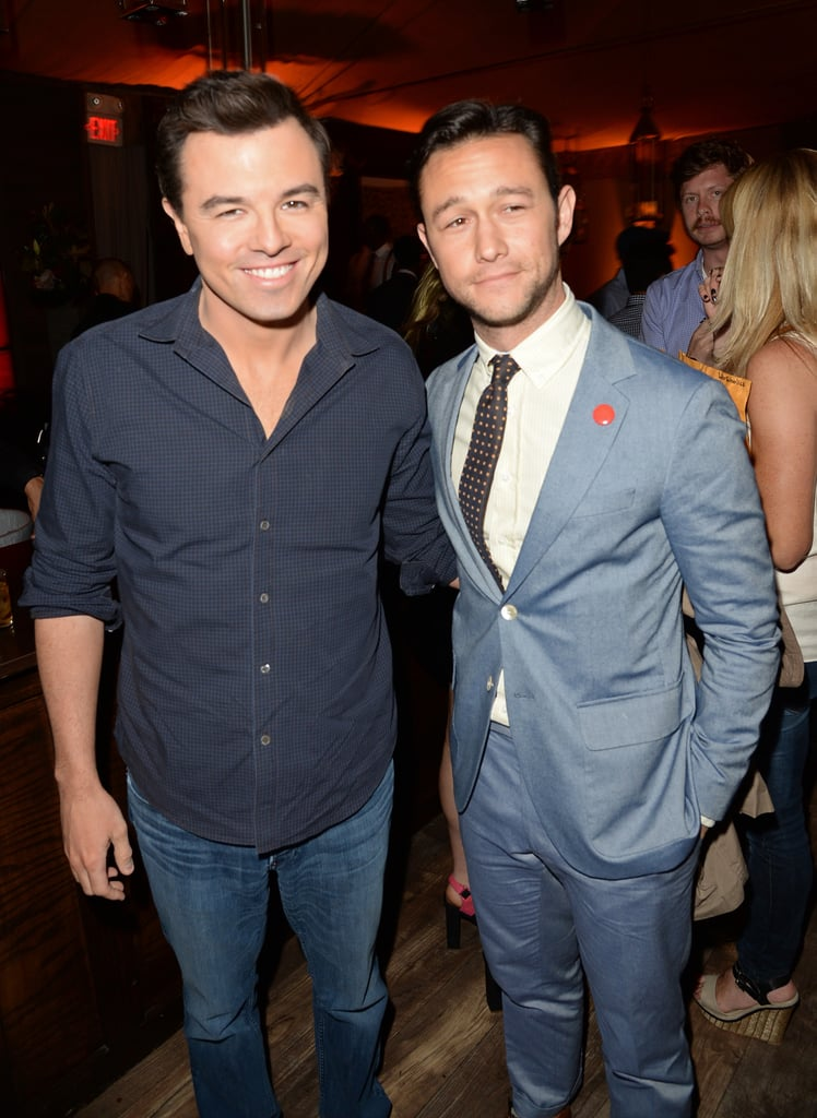 Seth MacFarlane and Joseph Gordon-Levitt posed together backstage at the Guys Choice Awards.