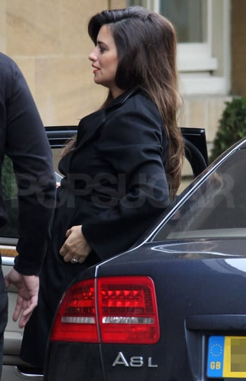 Pictures of Pregnant Penelope Cruz Arriving in London