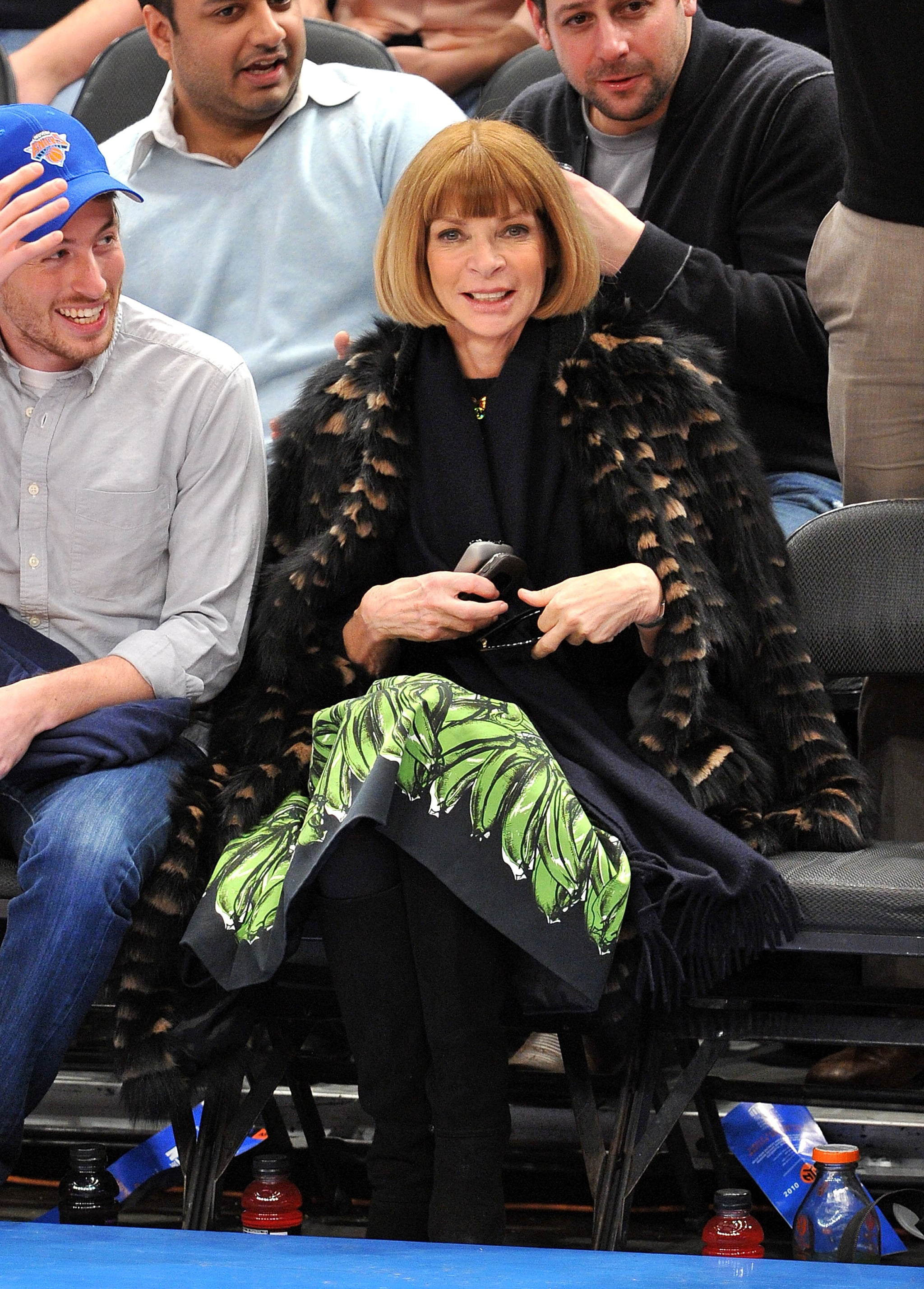 Anna Wintour sat courtside for a February 2011 Knicks game in the exact way you would expect her to: looking fabulous and chic in a printed skirt and fur coat.