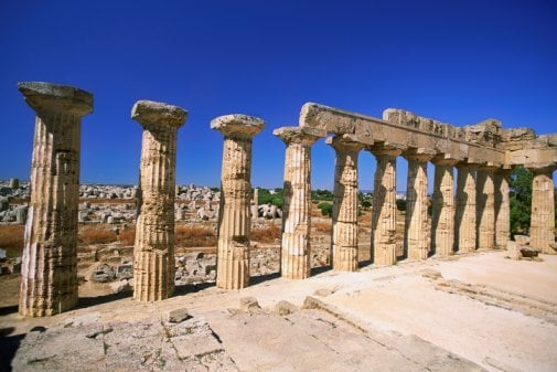 reaction about greek architecture In short, not only did ancient greek philosophy pave the way for the western  intellectual  a strong anti-macedonian reaction occurred, and aristotle was  accused of impiety  the formal cause is the idea of the house in the architect's  soul.
