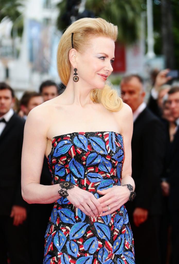 Nicole's beauty look side-on.