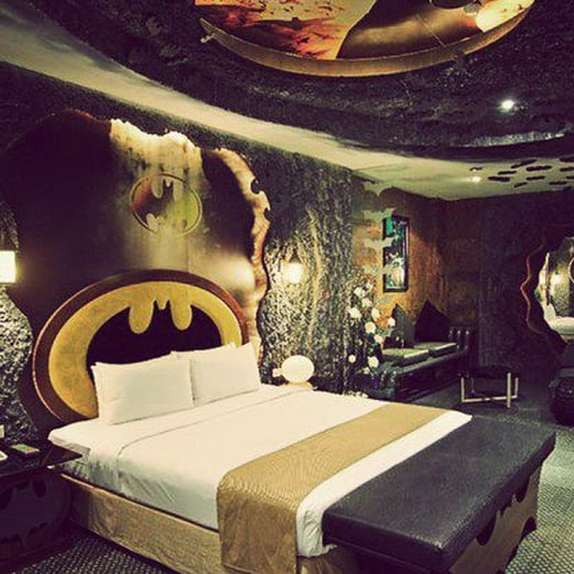 Batman Hotel Room