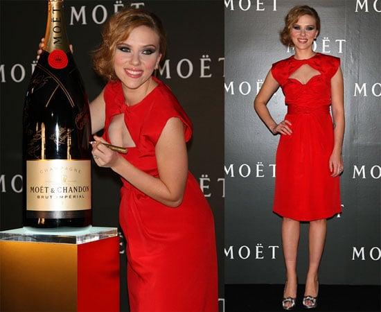Photos of Scarlett Johansson in Tokyo 2009-10-20 16:30:44