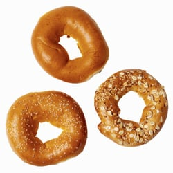 Bagel For Breakfast: What Should You Put on Top?