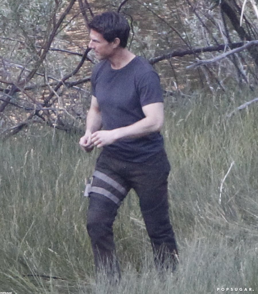 Tom Cruise jogged on the Oblivion set in CA.