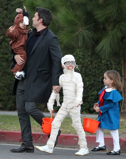 Ben-Affleck-took-his-children-trick--treating-Brentwood