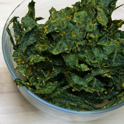 Cheesy Curry Vegan Kale Chips