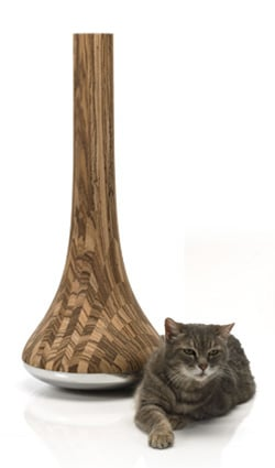 The Leo Cat Scratcher for Pampered Pets